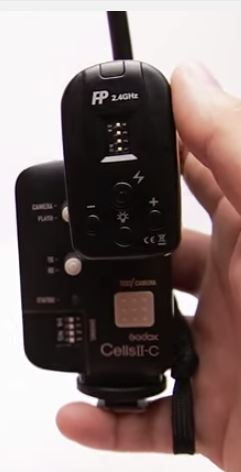CellsII-C trigger which allows HSS with the Rovelight trigger attached to its hotshoe.