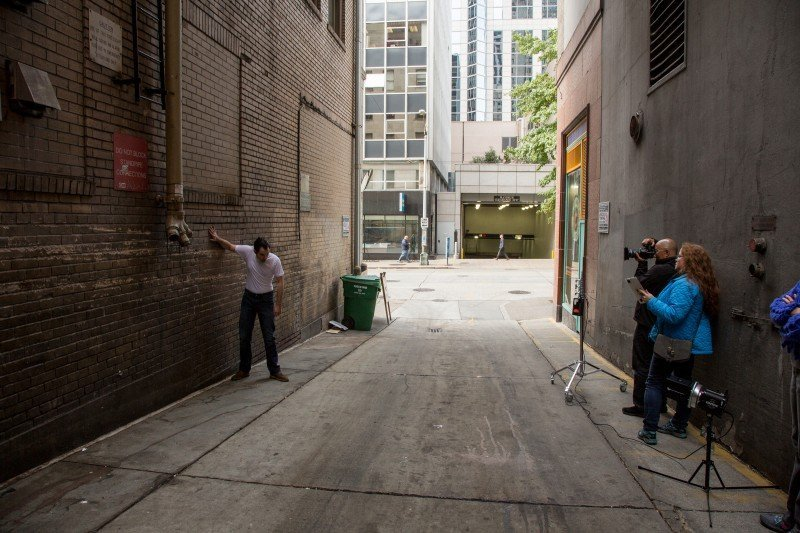 This is the alley where all of the images where shot in the two hour time span. As you can see it's certainly not night.